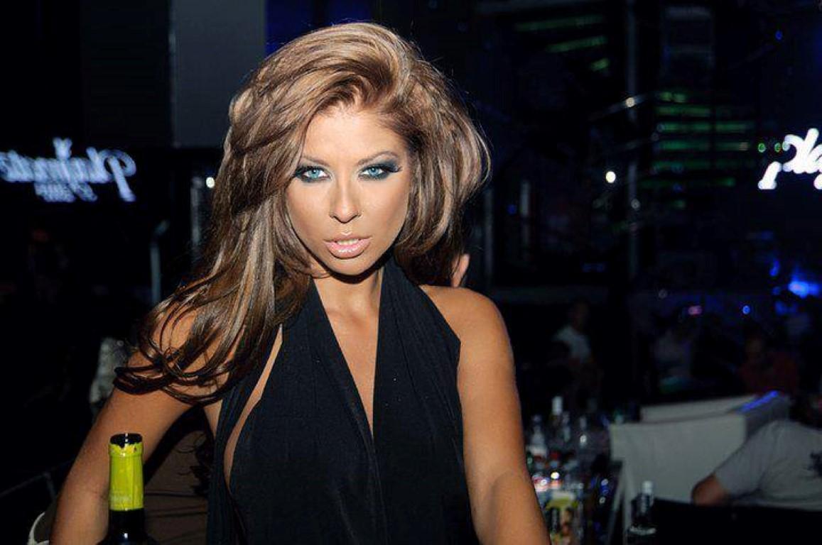 Blonde german pornstar bukkake